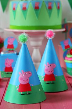 Party Hats for a Peppa Pig Party Fiestas Peppa Pig, Cumple Peppa Pig, Third Birthday, 4th Birthday Parties, Birthday Ideas, Peppa Pig Gratis, Peppa Pig Printables, Peppa Pig Party Supplies, Party Time