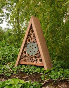 This delightful Elegance Insect Hotel is constructed using high quality materials, it provides an array of refuge, nesting and over-wintering sites for a variety of beneficial garden insects, including ladybirds, lacewings and safe solitary bees.