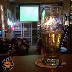 E ai futebol e cerveja harmonizam?  ___ #brejatorium #lajehomepub #assinocerveja #mariacevada #planetacervejeiro #vidacomcerveja #cervejapabeer #beerpassionbrasil #bebamenosbebamelhor #bebomelhor #bebalocal #cervejaartesanal #cervejaespecial #craftbeer #beerporn #beergasm #pornbeer #beeroftheday #instabeer #beergram #birra #cerveza #cerveja #bier #beer #confraria27