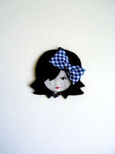 Lilamina felt brooch by Lilamina on Etsy, Felt Hair Accessories, Felt Purse, Felt Brooch, Brooch Pin, Polymer Clay Dolls, Felt Decorations, Button Art, Fairy Dolls, Felt Dolls