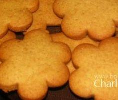 Klein Koekies – Boerekos – Kook met Nostalgie Baking Tips, Baking Recipes, Cookie Recipes, Dessert Recipes, Pizza Recipes, Coffee Cookies, Spice Cookies, Biltong, South African Recipes
