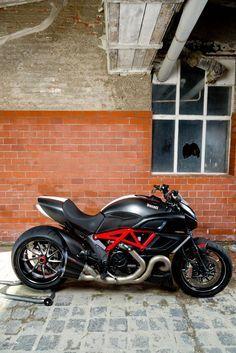 Bike storage indoor cafe racers New ideas Ducati Diavel, Motorcycle Design, Motorcycle Bike, Scrambler, Custom Street Bikes, Iron Man Wallpaper, Motosport, Ducati Monster, Bike Storage