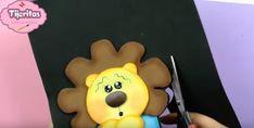 Cubre interruptor de goma eva con forma de león - Manualidades en Goma Eva y Foami Winnie The Pooh, Tray, Cover, Jelly Beans, Manualidades, Winnie The Pooh Ears, Trays, Board, Pooh Bear