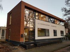 gezondheidscentrum Doorwerth - NIJHUIS ARCHITECTUUR Composite Cladding, Facades, Mansions, House Styles, Home Decor, Mansion Houses, Homemade Home Decor, Composite Flooring, Villas