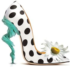 Here can find a great collection of 55 crazy unique pairs of funky high heels, have a look, try and share your experience. Creative Shoes, Unique Shoes, Funny Shoes, Weird Shoes, Crazy Heels, Muses Shoes, Walking In Heels, Shoe Art, Art Shoes