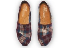 Plaid never goes out of style. TOMS Woven Purple Plaid Classics.
