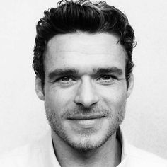 Risultati immagini per foto per grazia richard madden Richard Madden Shirtless, King In The North, Jawline, Man Crush, Gorgeous Men, Beauty And The Beast, Famous People, Handsome, Hollywood Stars