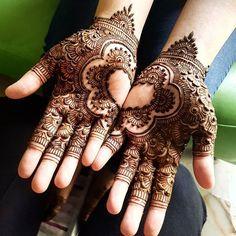 Heart shapes on the palm are now DA BOMB! 💙 --- 2016 & 2017 SLOTS ARE OPEN.  For bookings & enquiries: info.khairhenna@gmail.com Whatsapp: 9073 7296 --- #henna #hennainspire #hennaart #bridalsg #hennasg #sghenna #kahwin #inaisg #bodyart #singapore #hennadesigns #mehndi #mehndiart #mehndisg #design #dulhan #malaywedding #inai #hennalookbook #weddingsg #inspiration #inspire #kahwinsingapura #khairhenna #KHAIRHENNACONES #khairhennapowder