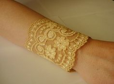 Lace Gold bracelet Lace Wrist Cuff Gold Strech by IskaCreations Wedding Bracelet, Boho Fashion, Diamond, Trending Outfits, My Style, Unique Jewelry, Lace, Handmade Gifts, Gold