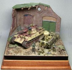 Panther F & UHU(May,1945,germany) Louis Daguerre, Diorama Ideas, Military Diorama, Bird Feeders, Panther, Tanks, Germany, Miniatures, Models
