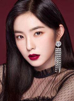 Which Red Velvet Member's 2018 Makeup Style Looks Best? Red Velvet Seulgi, Red Velvet Irene, Pink Velvet, Red Velvet Photoshoot, Red Valvet, Little Girl Models, Red Lip Makeup, Red Lipsticks, Ulzzang Girl