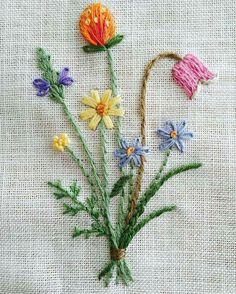 Simple and pretty floral embroidered design. Simplicidade Encantadora
