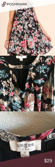 Umgee USA Sleeveless A-Line Floral Print Dress Umgee USA Sleeveless A-Line Floral Print Dress   Keyhole Neckline  Size Small 60% Cotton / 40% Poly Hand wash Cold Umgee USA Dresses Mini
