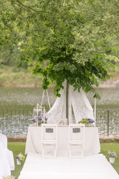 Romantic setting for a wedding in Portugal. Styling by Sofia Ferreira, photo by André Teixeira, Brancoprata