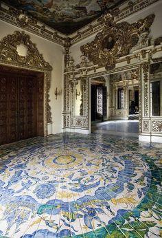 spanishbaroqueart: Ducal Palace of Gandia (Valencia, Spain) The. Historical Architecture, Architecture Details, Interior Architecture, Ancient Architecture, Spanish Style Decor, Grand Homes, Windsor Castle, Grand Entrance, Floor Design