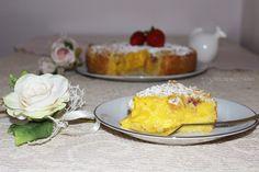 Ricetta dolce della sbriciolata con crema e fragole. Un dolce speciale per la festa della mamma, ma anche per ogni occasione.