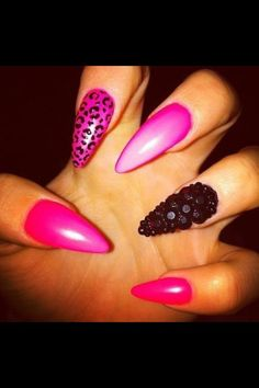 .stiletto nails cute! @Cristine Strickland Strickland Strickland Schafer Borstel