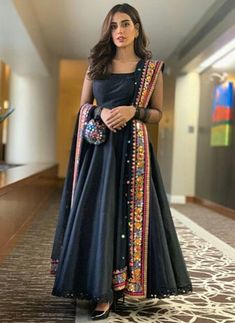 When you can't choose what to wear, wear a maxi ft . Pakistani Fashion Party Wear, Indian Fashion Dresses, Indian Gowns Dresses, Dress Indian Style, Indian Designer Outfits, Pakistani Outfits, Long Dress Design, Stylish Dress Designs, Stylish Dresses