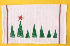 Amish Folk Christmas Tea Towel | AllFreeHolidayCrafts.com