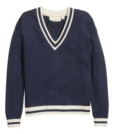 Fine-knit, long-sleeved V-neck jumper in a cotton blend containing some linen.