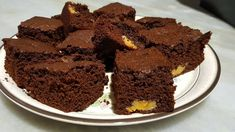 Brownie com doce de leite - YouTube Chocolate, Desserts, Youtube, Food, Dulce De Leche, Tea Cups, Tailgate Desserts, Deserts, Essen