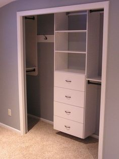 Small Closet's TIps and Tricks! Most people have small closets that can sometimes present issues with storage. Check out these small closets tips and tricks for optimizing space. Kid Closet, Closet Bedroom, Bedroom Decor, Small Bedroom Closets, Trendy Bedroom, Laundry Closet, Dresser In Closet, Closet Doors, Small Bedroom Ideas For Girls