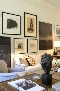 32 Inspiring Living Room Wall Gallery Decorating Ideas 32 Inspiring Living Room Wall Gallery Decorating Ideas Click The Link For See Interiores Design, Decoration, Interior Decorating, Decorating Ideas, Interior Inspiration, Living Room Decor, Dining Room, Diy Home Decor, Sweet Home
