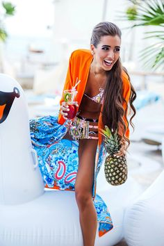 This is how we party! #BetrendyPoolParty  #love #smells #flowers #happy #dress #tropical #silk #ny #eve #shine #sparkling #queen #girls #girl #happiness #holiday #beautiful #radiance #sunny #miracle #summer #magazine #pool #summer #palm #cake #swan