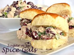 Chicken Berry Salad - Sugar n' Spice Gals Cranberry Recipes, Cranberry Chicken, Cranberry Salad, Saskatoon Recipes, Good Food, Yummy Food, Delicious Recipes, Best Dishes, Main Dishes