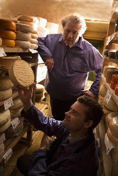 Philippe et Romain Olivier et leurs fromages chez Philippe Olivier (Boulogne-sur-Mer) ©Maurice Rougemont