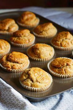 Muffin salati con noci e pecorino