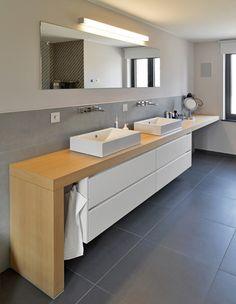 Grey Bathroom Tiles, Bathroom Vanity Units, Wooden Bathroom, Bathroom Toilets, Modern Bathroom Design, Bathroom Furniture, Bathroom Interior, Bathroom Inspo, Home Room Design