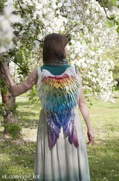 Many people wish that they could fly, and though it's not quite possible yet, they can pretend to have wings thanks to Volha Kotova. The Belarus-based artist has crafted backpacks that look like a pair of wings have sprouted from the wearer's back. This fantastical accessory will transform anyone sporting it from a mere mortal …