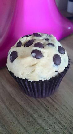 Gluten free and vegan cookie dough cupcakes. Light chocolate chip sponge with cookie dough topping and plenty of chocolate drops! Order a box at www.cakebyshannon.co.uk