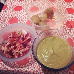 Keine Zeit für insta aber die #Erbsensuppe war top! Dazu natürlich Salat wgn #Salatsucht  und Kartoffeln zum Dippen ;) by kaythecaaat