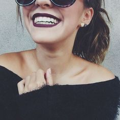 Poses para fotos sozinha estilo Tumblr sorrindo