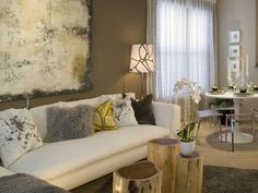Beige Weiß Wohnzimmer Essbereich-transparente Stühle