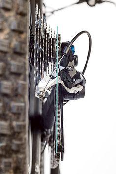 Screwdriver tips: Adjust the rear derailleur - Bikes Ford Transit Campervan, Ceramic Art, Mountain Biking, Bicycle, Bike Light, Spin, Hobbies, Flower, City
