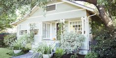 How to Make an Old Home Feel New - Old Home Decorating Ideas