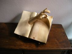 Italian sculptor, Nino Orlandi.