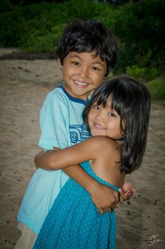 Award winning photography for over 3 decades. Portrait Poses, Portrait Photographers, North Shore Hawaii, Award Winning Photography, Kid Poses, Poses For Photos, Sunset Photos, Hawaii Wedding, Wedding Portraits