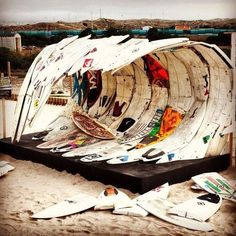this surf art installation is awesome! this surf art installation is awesome! this surf art installa Kite Surf, Surf Art, Surfboard Art, Skateboard Art, Kitesurfing, Robert Rauschenberg, Joan Mitchell, Water Photography, Surf Style