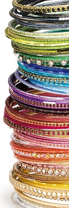 Indian traditional wear is incomplete without these gorgeous colourful bangles.... oooo am drooling!!!