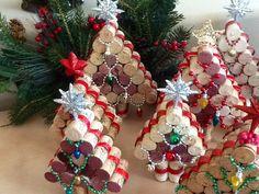 Wine cork Christmas Tree.....Upcycled Cork by CrazieLadyCraftique