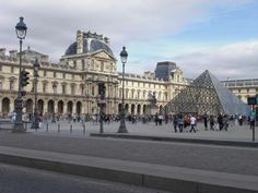 The Lourve. In Paris. I've been here!!