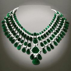 Stunning Diamond & Emerald Necklace by Heeramaneck