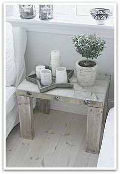 LIVET I TRETTIFEM: februar 2012 Entryway Tables, Furniture, Home Decor, February, Decoration Home, Room Decor, Home Furniture, Interior Design, Home Interiors