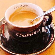 Cafecito//Cafe from Cuba ^^ Coffee World, Coffee Is Life, Coffee Talk, Café Cubano, Cafe Rico, Vintage Cuba, Viva Cuba, Egg Coffee, Love Cafe