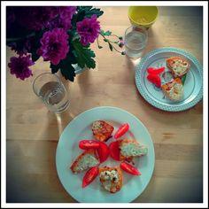 Fertige überbackene Süßkartoffeln Posts, Table Decorations, Blog, Home Decor, Eat Lunch, Simple, Homemade Home Decor, Messages, Blogging