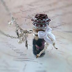 San-Tia / Náhrdelník s fľaštičkou: Všetko je možné
